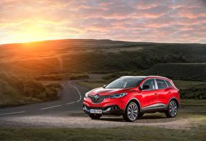 Обои Renault Рассветы и закаты Красный Металлик 2015 Kadjar dCi 130 автомобиль