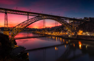 Картинка Португалия Здания Речка Мосты Вечер Портус Кале Уличные фонари