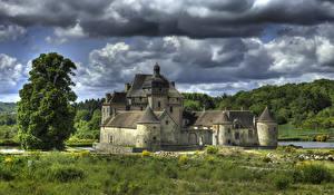 Фото Замки Франция HDR Облачно Chateau du Theret, La Sauniere город