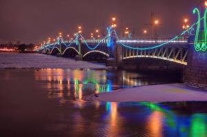 Картинка Санкт-Петербург Россия Зимние Река Мост Ночные Уличные фонари город