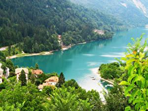 Обои Италия Реки Леса Дома Пейзаж Molveno Природа фото