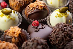 Картинки Сладости Конфеты Шоколад Крупным планом Еда