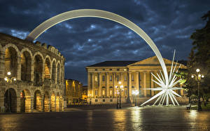 Фотографии Италия Дома Верона Ночные Уличные фонари Улица