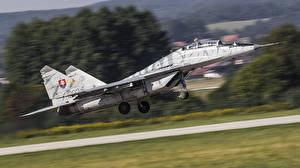 Фотография Самолеты Истребители Взлет МиГ-29