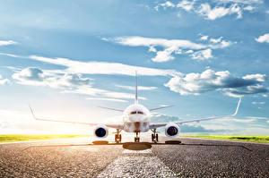 Фото Самолеты Небо Пассажирские Самолеты Облака Асфальт