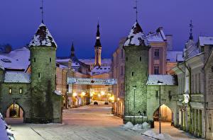 Обои Эстония Зима Дома Таллин Улица Ночные Уличные фонари
