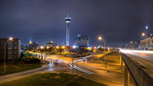 Картинка Штаты Здания Дороги Техас Улице Ночные Уличные фонари San Antonio Города