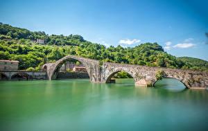Обои Мосты Реки Италия Тоскана Borgo a Mozzano Maria Magdalena Природа