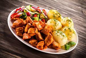 Обои Вторые блюда Картофель Мясные продукты Овощи Тарелка Еда фото