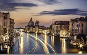 Картинка Италия Вечер Здания Реки Водный канал Движение Венеция