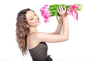 Картинки Тюльпаны Шатенка Лицо Макияж Девушки