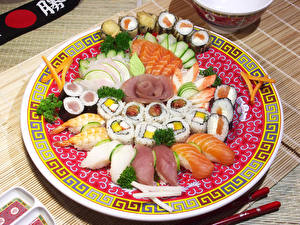Обои Морепродукты Суши Рыба Тарелка Еда фото