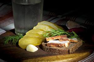 Фото Бутерброды Хлеб Огурцы Водка Укроп Сало Еда