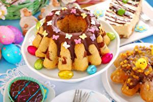 Картинка Праздники Пасха Выпечка Шоколад Кекс Яйца Еда