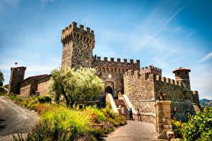 Картинка Италия Замки Небо Тоскана Кусты Лестница Castello di Amorosa