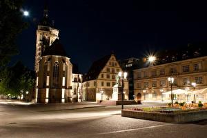Фотографии Германия Дома Памятники Ночью Уличные фонари Улице Stuttgart город