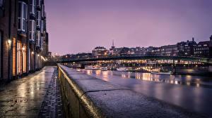 Картинка Германия Здания Реки Мосты Корабль Ночь Уличные фонари Улица Bremen Города