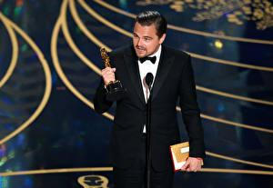 Обои Leonardo DiCaprio Мужчины Классический костюм Oscar 2016