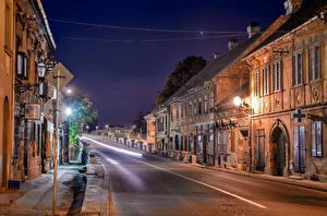 Фотографии Дома Дороги Сербия Улице Ночью Уличные фонари Novi Sad город