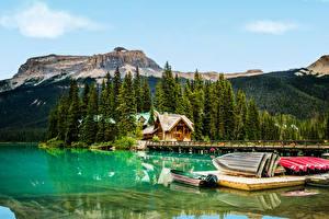 Картинки Канада Парки Горы Озеро Причалы Лодки Дома Ель Yoho Природа