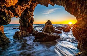 Фотографии США Море Пейзаж Малибу Скала Лучи света Природа