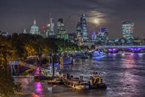 Картинка Великобритания Здания Река Пристань Корабль HDR Лондон Ночные
