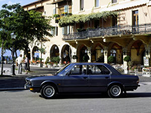 Картинка BMW Ретро 1981–87 528i (E28) машина