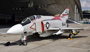 Фотографии Самолеты Истребители F-4J, Phantom II
