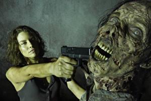 Обои Пистолеты Зомби Ходячие мертвецы Lauren Cohan Фильмы Девушки фото
