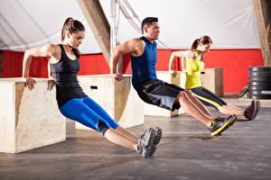 Картинка Фитнес Физические упражнения Девушки Спорт