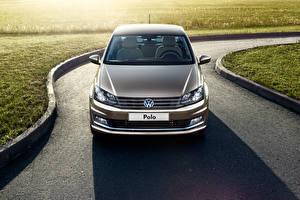 Фото Volkswagen Спереди Седан 2015 Polo Sedan Typ 6R Автомобили
