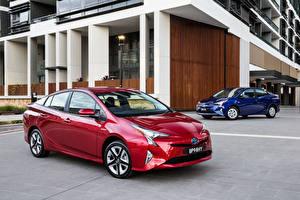 Фото Toyota Две Красные Синий Металлик 2016 Prius машина
