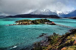 Обои Чили Озеро Горы Остров Берег Мосты Pehoe Lake Patagonia Природа