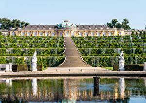 Картинки Германия Скульптуры Потсдам Дворец Дизайн Лестница Кусты palace Sanssouci