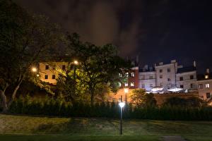 Картинка Польша Здания Деревья Ночь Lublin Города
