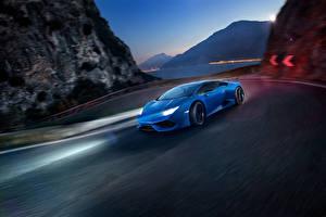 Фотография Lamborghini Синих Едущий Novitec Torado Huracan автомобиль