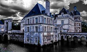 Картинки Франция Замки HDR Облака Chateau de Serrant город