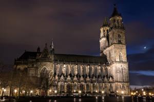 Картинки Германия Храмы Собор Ночью Уличные фонари Cathedral  Magdeburg город