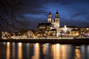 Обои Германия Храм Река Собор Ночь Уличные фонари Cathedral of Magdeburg город
