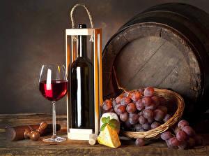 Обои Вино Виноград Бочка Сыры Бутылки Бокалы Корзина Продукты питания