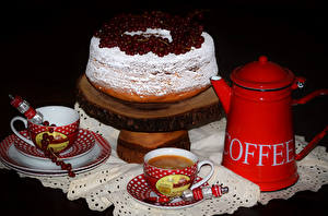 Фото Сладости Торты Кофе Чашке На черном фоне Продукты питания