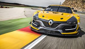 Фотография Renault Спереди Желтый Едущая 2014 Sport RS 01 автомобиль