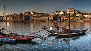 Фотографии Португалия Дома Речка Лодки Портус Кале