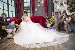 Картинка Азиаты Невесты Платья молодая женщина