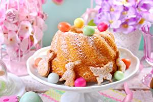 Фото Праздники Пасха Выпечка Кулич Печенье Сладости Кекс Яйца