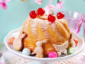 Фотографии Пасха Выпечка Кулич Печенье Кекс Яйца Еда