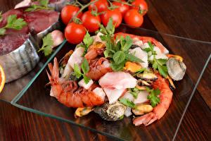 Фото Морепродукты Креветки Рыба Овощи Помидоры