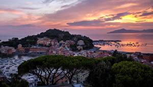 Картинки Италия Дома Побережье Причалы Рассветы и закаты Sestri Levanti Города
