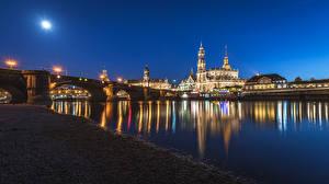 Картинка Дрезден Германия Здания Реки Мосты Ночь Уличные фонари город