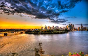 Обои Австралия Дома Реки Рассветы и закаты Побережье Брисбен Облака Города